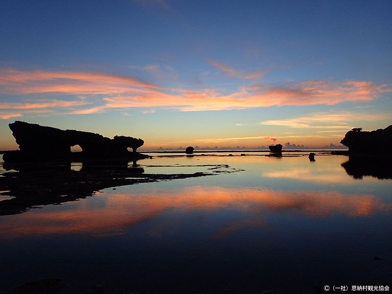 特選「恩納村のウユニ塩湖」